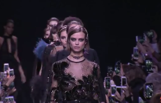 Desfile de moda Elie Saab- Fall Winter 2017-2018 Paris